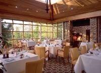 Flynn's Steakhouse