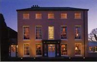 The Robert Paul Restaurant @ Arlington Lodge