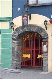 Danno's Restaurant & Bar
